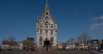 Daytrip to Gouda, Cheese, Culture and History around theTownhall