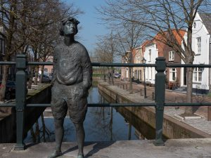 Nieuwpoort, nicest village in Holland statue