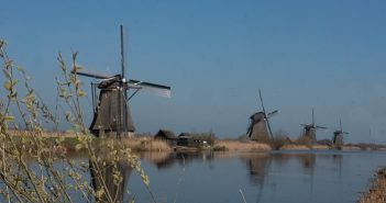 Where to see 19 windmills in the Netherlands? Visit Kinderdijk!