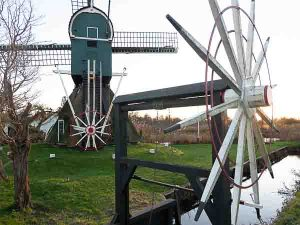 Cycling in the Netherlands to Royal Palace Soestdijk you pass by this watermill